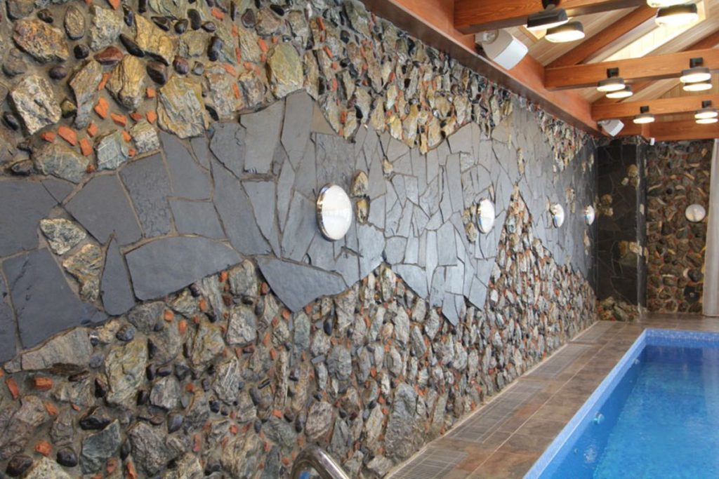 Облицовка камнем интерьера и экстерьера