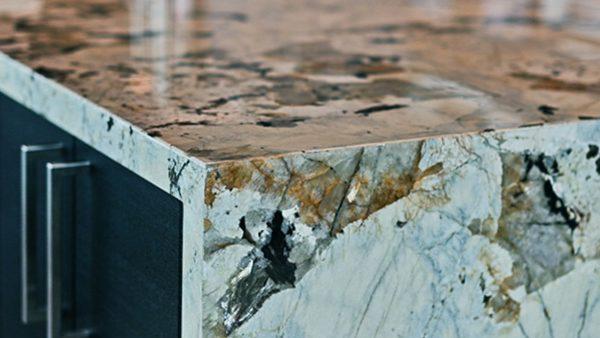 Каменные столешницы: гранит или мрамор?